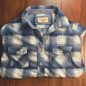 VINTAGE BLUE AND WHITE BUTTON UP PLAID FLANNEL